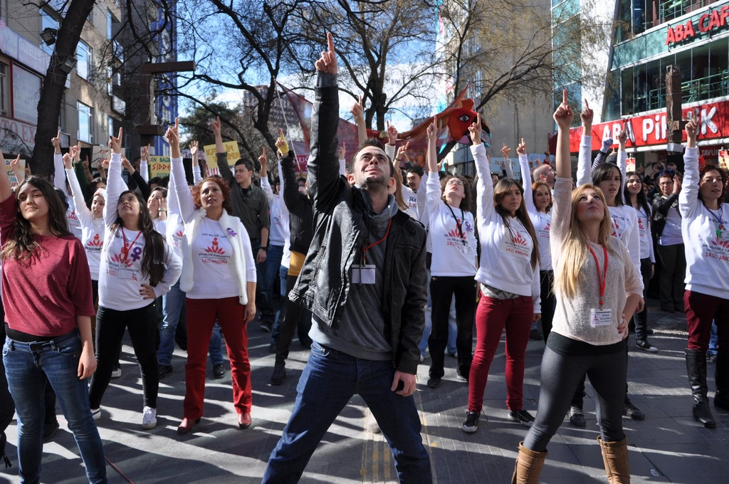 galeri-2213-one-billion-rising-17.jpg
