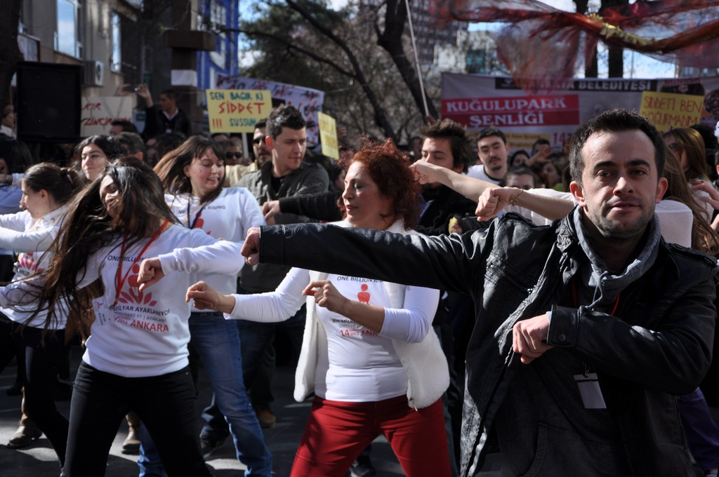 galeri-2213-one-billion-rising-18.jpg